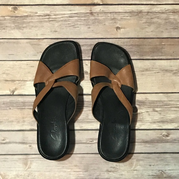 5bd77e3d8215 Clarks Shoes - 🤩 3 for  13 🤩 Clarks leather sandals- Size 8.
